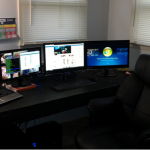 triple_monitor_setup_original