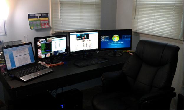 triple_monitor_setup_original